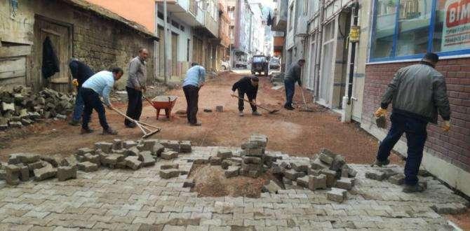 Fatih mahallesine parke taş döşendi